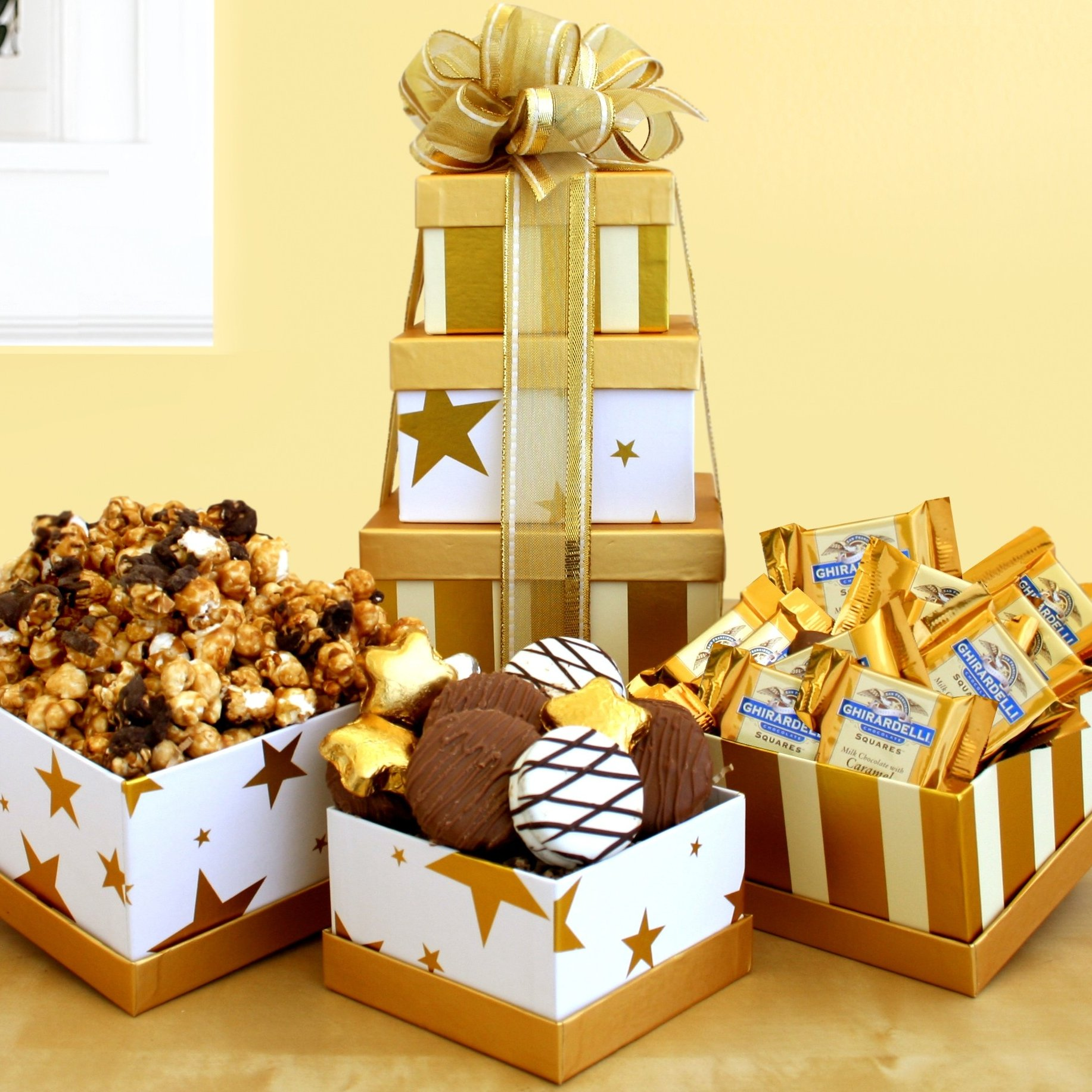 Image 0 of Stars & Stripes: Gourmet Gift Tower